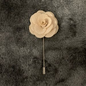 Other - Cream Fabric Flower Lapel pin